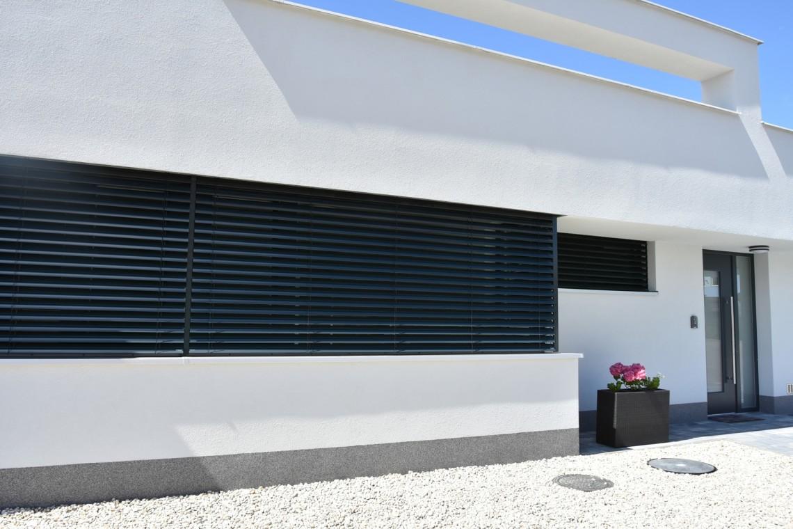 Outdoor shutter blinds